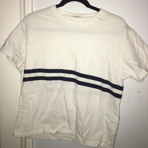 Brandy Melville:white tee-two navy blue stripes